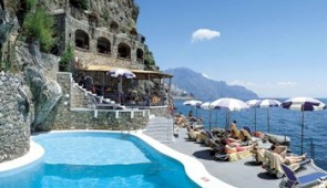 550401 Exclusive XIX Century Hotel in Amalfi