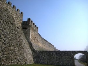 001065_lake_garda_castle