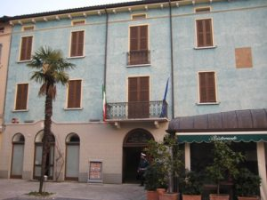 001477_Sirmione Town Hall
