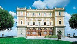 440404 XVI Century Villa near Rome