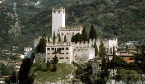 300501 Castle on Lake Garda