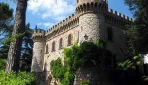 220508 Charming Castle in Umbria