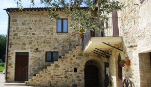 220430 Country Villa near Assisi