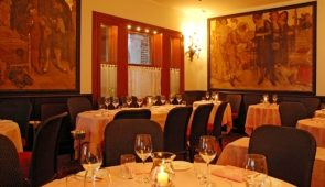 330102 Historical Restaurant in Venice