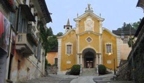 610508 XIV Century Church on Lake Orta
