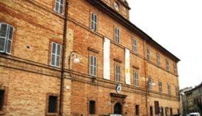 770516 Montalto Town Hall